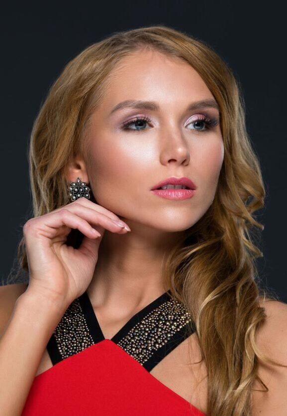 Miss Queen Hungary Közönségdíjas Dobronyi Kitti